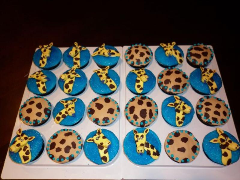 giraffe-cuppies