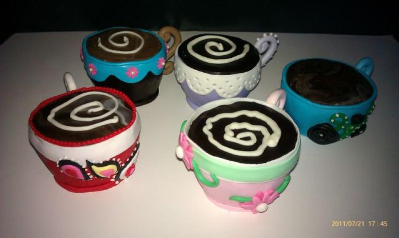 mini-cake-coffee-cups
